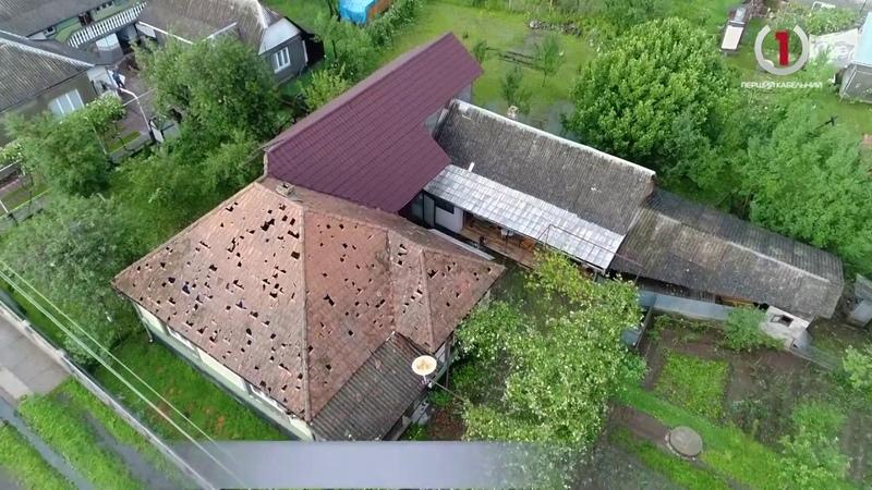 На Іршавщині градобій пошкодив сотні будинків та потрощив автівки