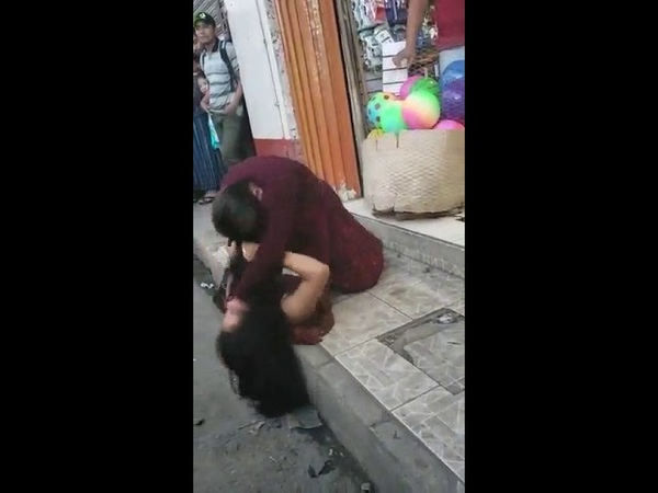 Catfight guatemala