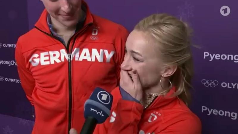 Olympia 2018 Savchenko und Massot - große Feier nach der Goldkür One Moment In Time