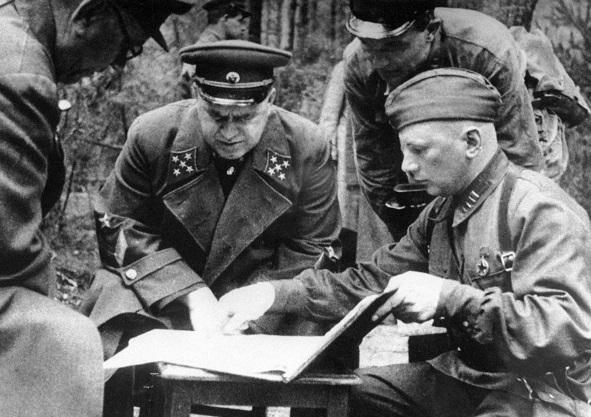 6 самых болезненных поражений Красной Армии в Великой Отечественной 1941 год и первые месяцы 1942 года были омрачены болезненными поражениями СССР от Германии. Несмотря на ряд выигранных
