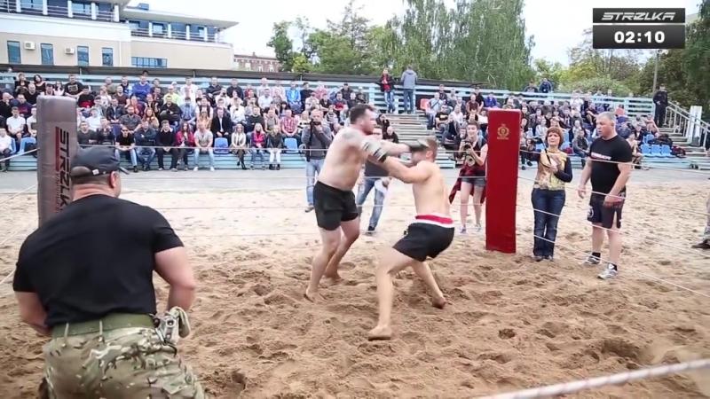 DUDY vs HUGE Navy SEALs Fighter !