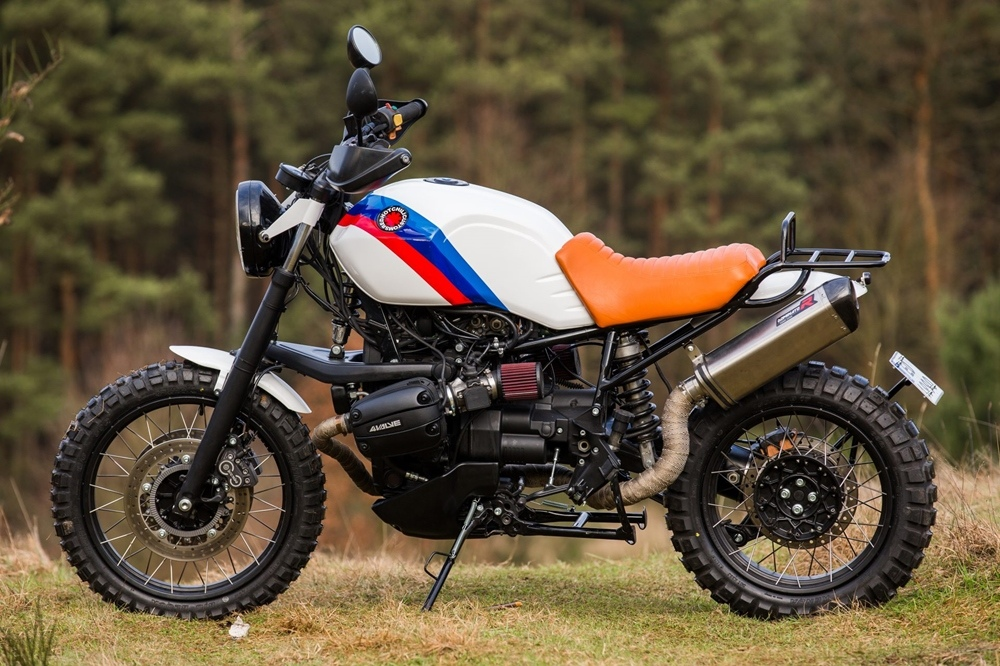 Red Hot Chili Customs: скрэмблер BMW R1100GS