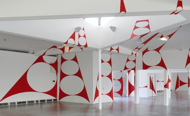 Anamorphic and Geometric Projections
