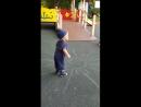 В парке на прогулке с бабушкой и дедом