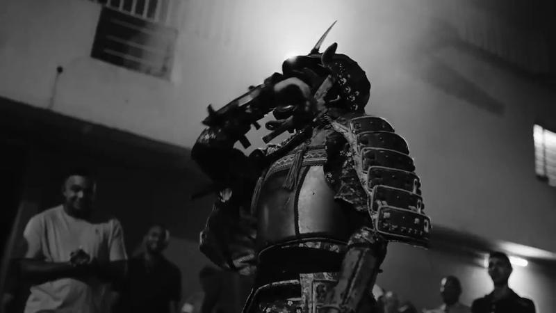 Трюки в костюме самурая BMX, Скейт, Лыжи и т.д