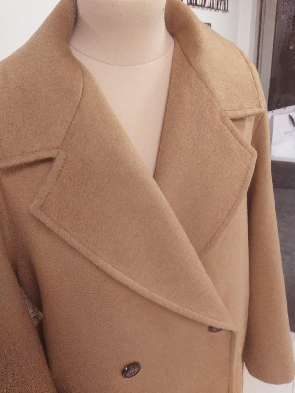 Шикарное пальто из верблюжего кашемира MaxMara,  подклад  и пуговицы так же MaxMara.