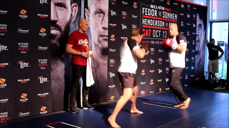 Fedors Open Workout in NYC Times Square for Bellator 208 (Полная версия)