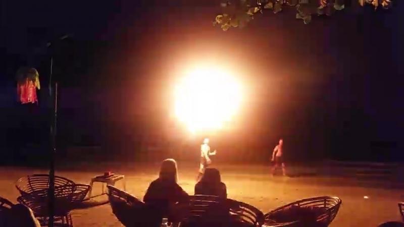Огненное шоу на острове Чанг