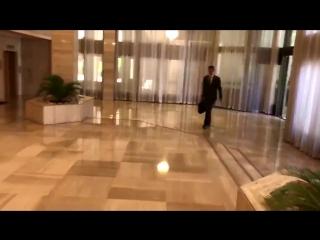Утро после удара. Асад пришел сегодня на работу