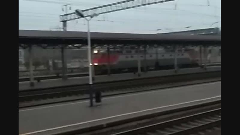 Электровоз ЧС8-040 резервом на станции Конотоп