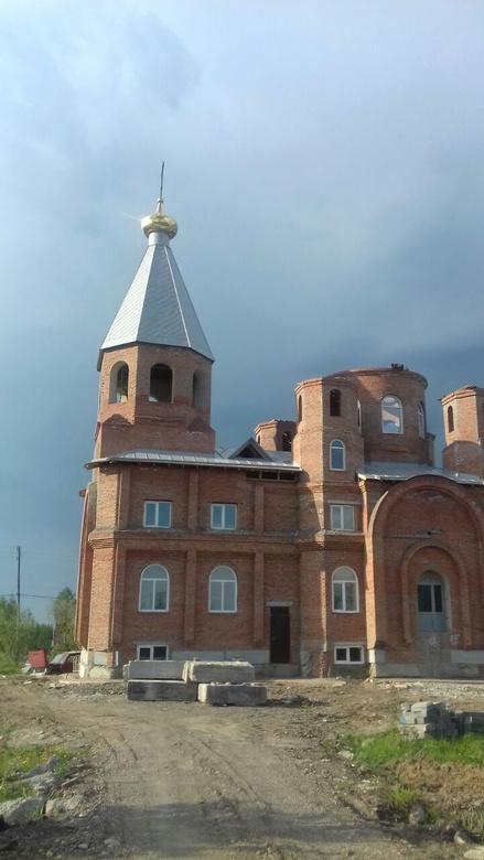 Томичи собирают средства на завершение строительства храма в поселке Апрель