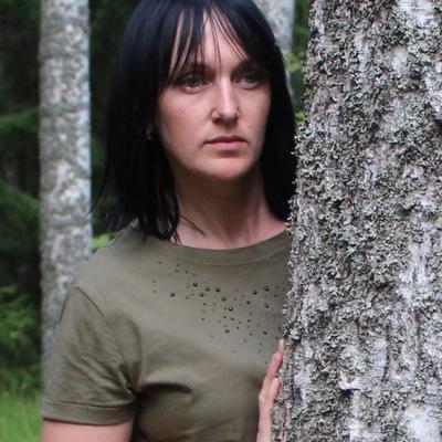 Лена Зверева