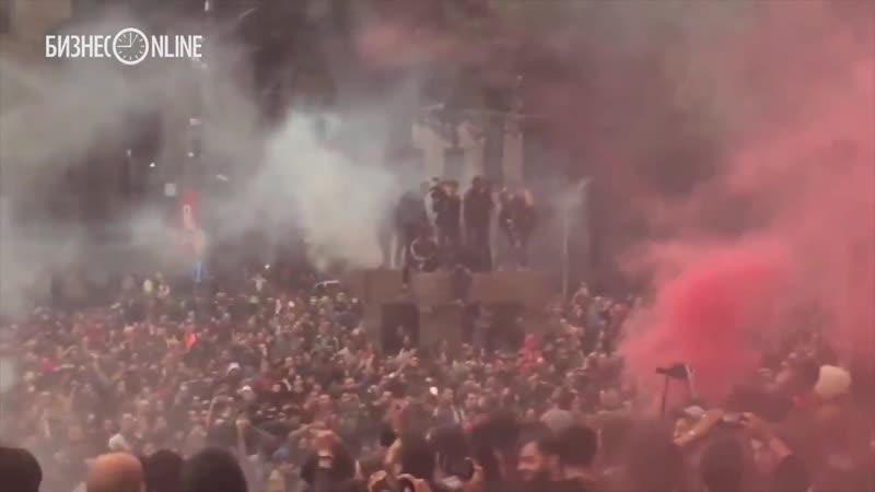 В Тбилиси прошли массовые беспорядки из за обыска наркоторговцев. ნარკომაიდანი თბილისში