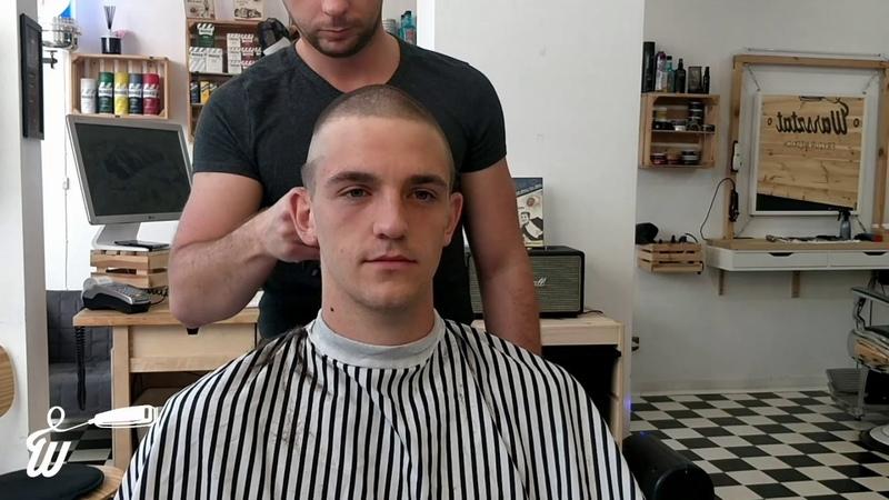 Jakub Fryzura na rekruta z bokami brzytwą