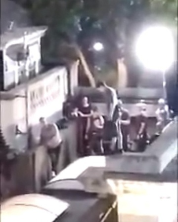 """Tom Holland Updates on Instagram: """"— Low quality, but here's Tom on set, in what appears to be a motion capture suit. What do you guys think is hap..."""