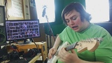 Man plays Van Halen's Eruption without actually learning it