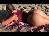 Sophie Dee отличная сочная большая жопа на пляже, секс зрелая мамка сиськи