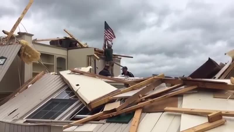 Последствия торнадо в городе Франклин Каунти, Вирджиния, США