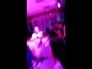 дискотека в лагире вожатые танцуют дети повторяют