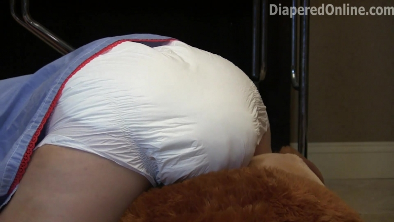 Iris - Humps Mister Bear and Poops Her Diaper