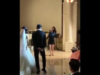 айю на свадьбе своих танцоров