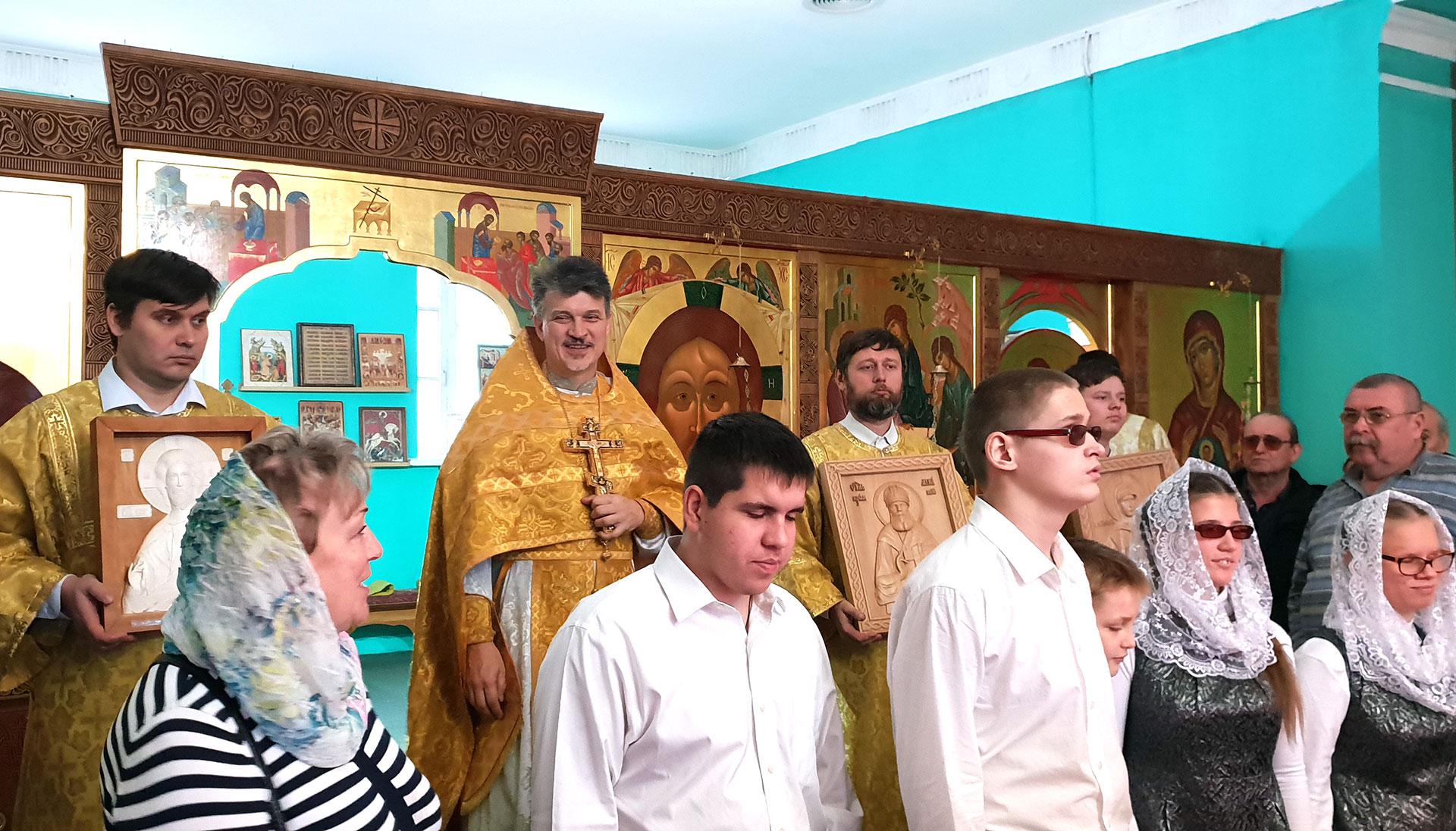 Божественная литургия с участием слепоглухих детей из Сергиево-Посада