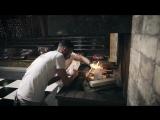 Андрей и Евгений разводят огонь