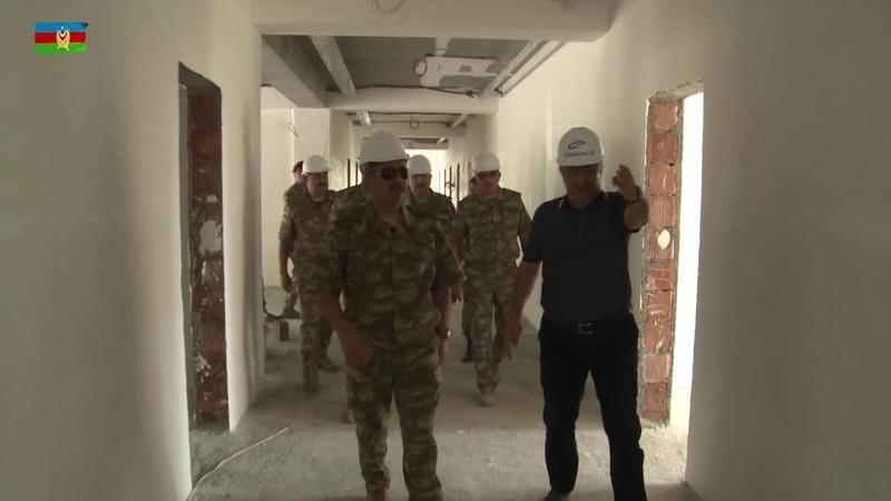 Müdafiə naziri tikintisi davam edən hərbi obyektlərdə olub - 01.08.2018
