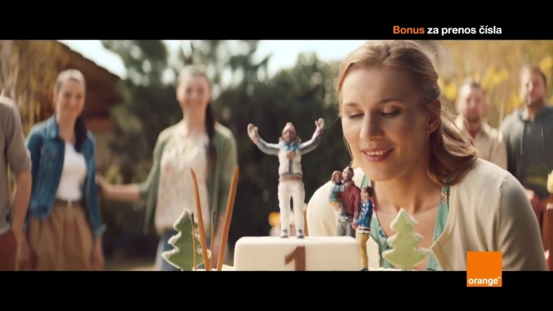 Анастасия Кузьмина с семьей снялась в рекламе ведущего мобильного оператора Словакии