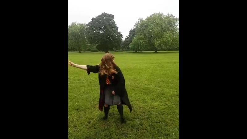 Гермиона танцует