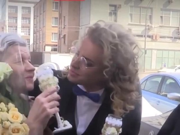 Джим Kерри и свадьба Гогена и старухи coub