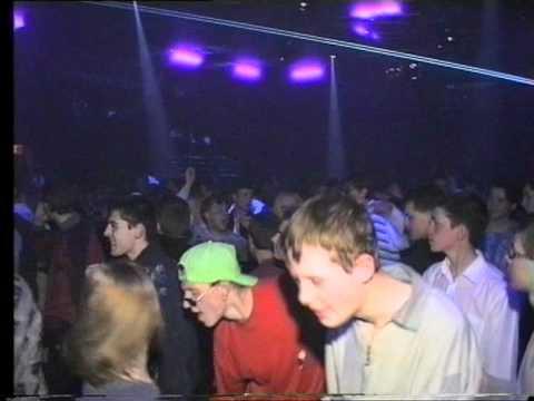 Вадим Беспалов как DJ. Клуб Disco 2000, Харьков, 1997.