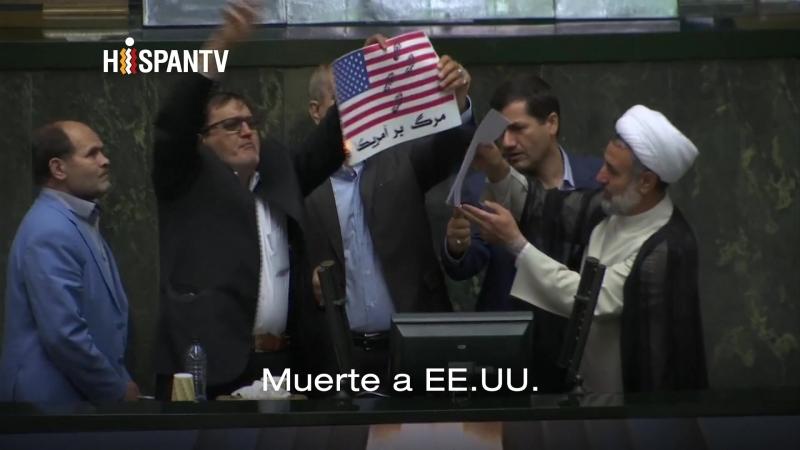 Parlamentarios iraníes queman la bandera de EEUU junto al pacto nuclear
