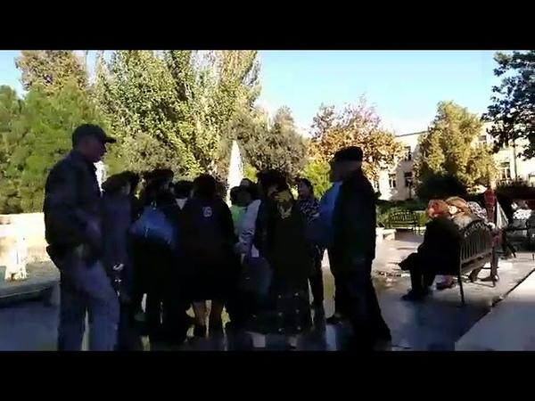 Şəhid ailələri yenə Prezident Aparatı qarşısında mitinq edirlər