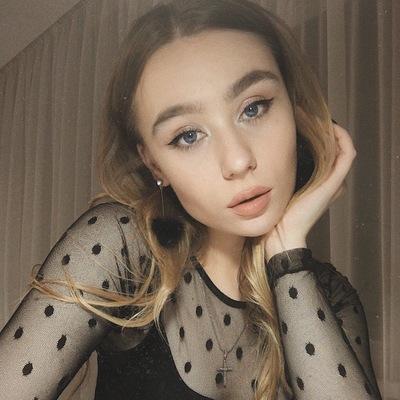 Виктория Шувалова