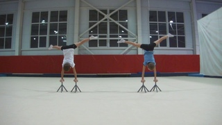 Школа акробатики: Батл Антона и Нико.