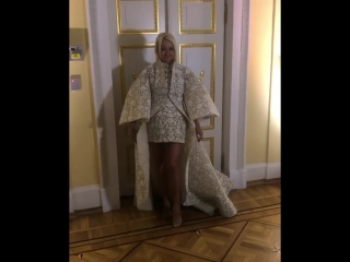 Яна Рудковская на 10-летии Tatler в Малом театре