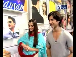 Shahid Kapoor  Sonam Kapoor interview on Star News promoting Mausam Part-2
