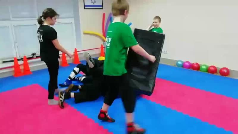 Вот оно video Как же разлепить двух инструкторов 😬 ☝️ Только действуя сообща в команде помогая друг другу 🤝 А ск