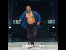 Вот молодец! Круто танцует!