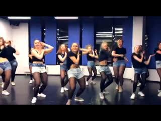 Reggaeton by Olya BamBitta//Moa Music - ELLA SOLA