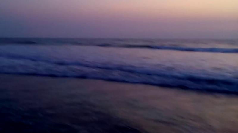 Сереневый закат на пляже Морджим Гоа Индия Purple sunset on Morjim beach Goa India