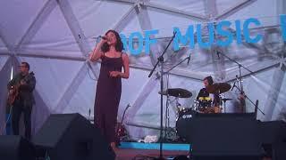 Женя Любич Беззатейно 16.08.2018, Санкт-Петербург - Концерт на крыше Roof Music Fest