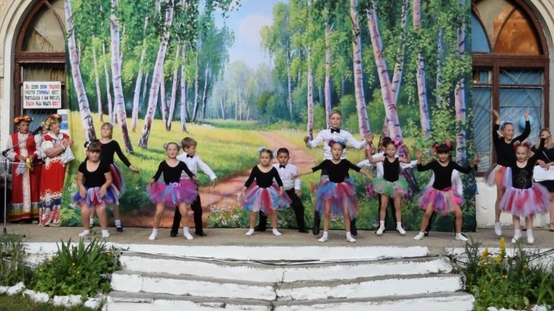 Модницы - детско-подростковая группа К@р@мель