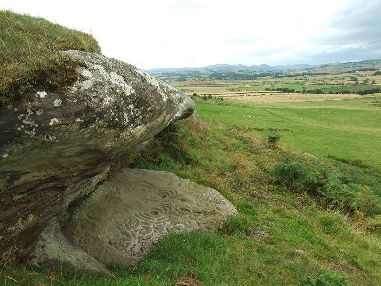 камни сферы земля мегалиты круги на камне