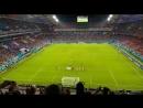 А это чтобы все испанцы на поле и стадионе умерли от досады что один великий нагнул всю Испанию