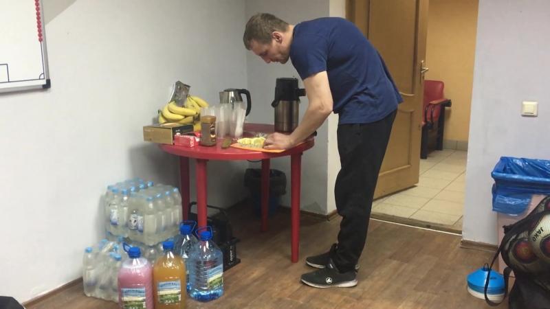 Подготовка раздевалки ФК Тюмень перед матчем с Авангардом