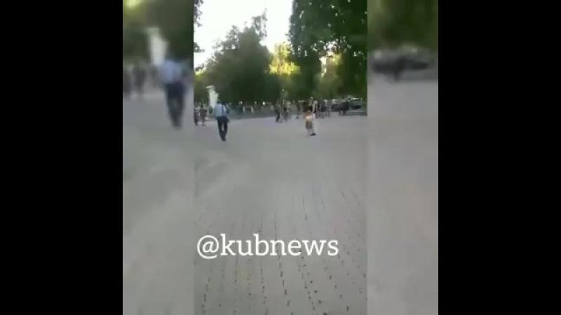 Драка подростков в центре Краснодара