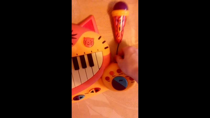Пианино фирмы Battat