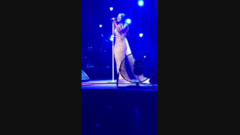 Toni Braxton Un'break my heart(live 2017)